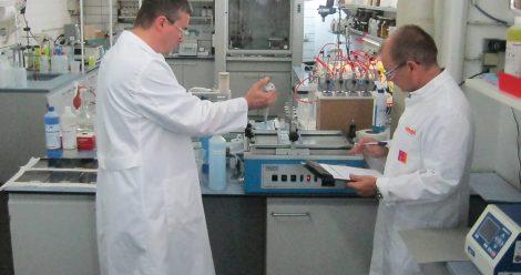 Abriebpruefgerät zur Optimierung des Reinigungsergebnisses