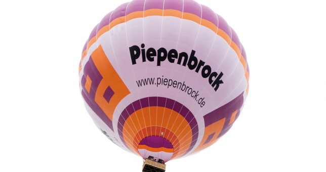 Heißluftballon hebt ab