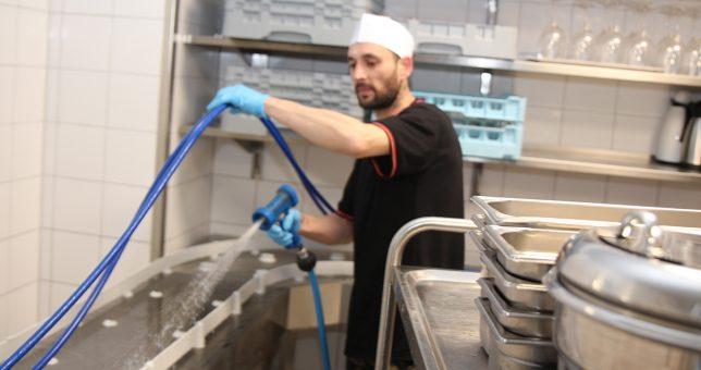 Hygienische Reinigung – der Grundbaustein für HACCP
