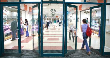 Die Sensoren werden am Eingang zu Einzelhandelsgeschäften installiert. (Symbolbild: Adobe Stock)