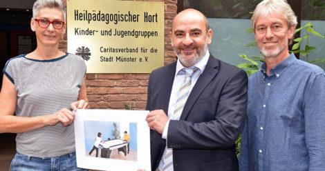Spende für Hortkinder in Münster